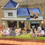 ときわ台駅でシルバニアファミリーのミニチュアハウスを展示中!